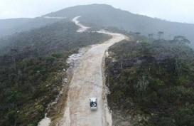 Sarat Risiko, Rute Perbaikan Jalan di Papua Diubah