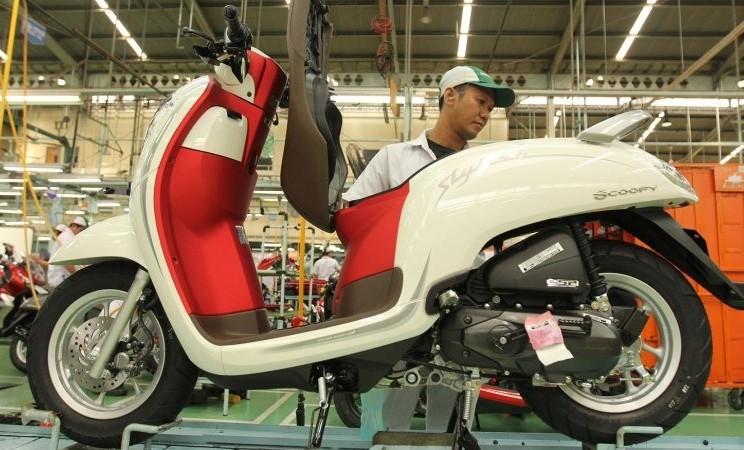 Honda Scoopy Merah Putih - Antara