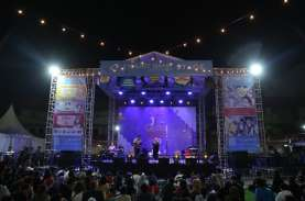 Ribuan Orang Tertawa Bersama di Festival Komedi Terbesar…