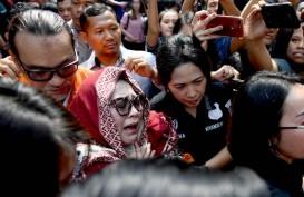 Polisi Tangkap 5 Pengedar Sabu untuk Komedian Nunung