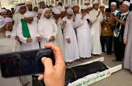 Ribuan Pelayat Hadiri Pemakaman Mbah Moen di Pemakaman Ma'la, Makkah