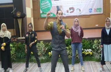 Ade Rai Sosialisasikan Pola Hidup Sehat di Banjarmasin