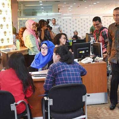 Minat Konsultasi Oss Tinggi Telepon Call Center Susah Masuk Ekonomi Bisnis Com