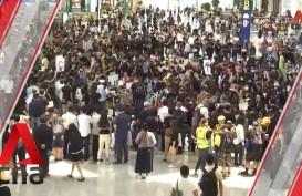 Serbu Bandara Hong Kong, Demonstran Bagikan Selebaran kepada Pengunjung