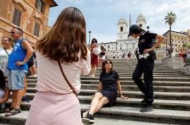 Turis Dilarang Duduk di Spanish Steps yang Terkenal…