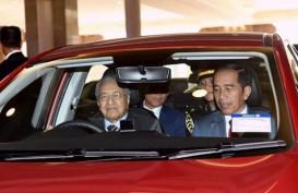 PM Mahathir Beri Layanan Istimewa, Sopiri Jokowi ke Lokasi Jamuan Santap Siang