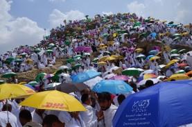 Jamaah Haji Diguyur Hujan Deras Saat Wukuf di Padang…