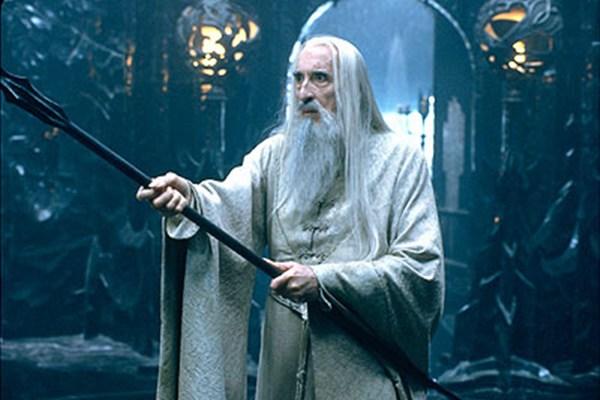 Aktor Christopher Lee berperan sebagai Penyihir putih Saruman di film The Lord of The Rings/lotrwikiacom - yus