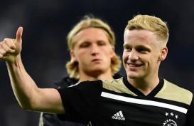 Gelandang Ajax Donny van de Beek Makin Dekat ke Real Madrid