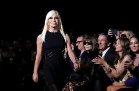 """Versace Minta Maaf Usai """"Pisahkan"""" Hong Kong dan Makau…"""