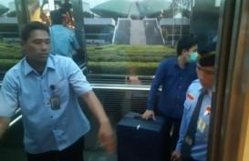 Geledah Ruang Nyoman Dhamantra, KPK Tenteng Dua Koper