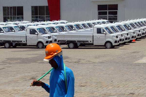 Suasana pabrik mobil Esemka di Sambi, Boyolali, Jawa Tengah. - ANTARA/Aloysius Jarot Nugroho