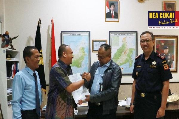 Genjot Devisa Ekspor, Bea Cukai Kalbagsel Terbitkan Fasilitas PLB untuk Perusahaan CPO-CPKO