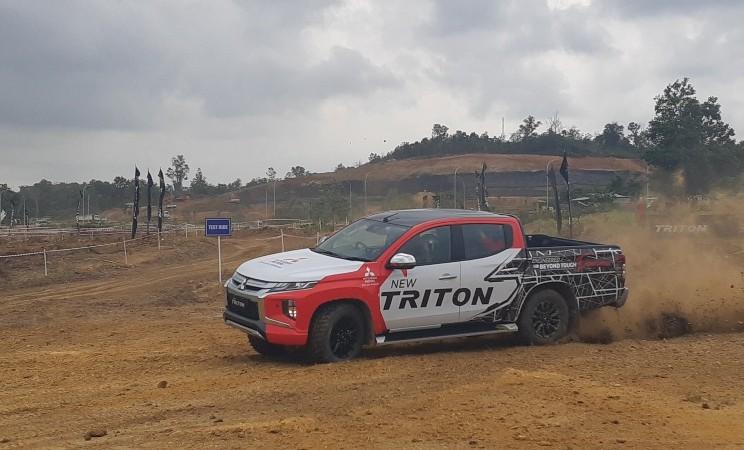 Mitsubishi All New Triton - Thomas Mola