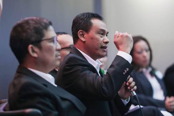 Presiden Direktur PT Satria Antaran Prima Tbk. (SAP Express) Budiyanto Darmastono (kedua kiri) memberikan paparan dalam Investor dan Media Gathering di Jakarta, Selasa (4/9/2018). - JIBI/Felix Jody Kinarwan