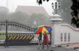 Musim Hujan Diperkirakan Akhir November-Awal Desember