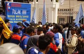 Buruh Kota Batam Demo Tolak Revisi UU No.13/2003