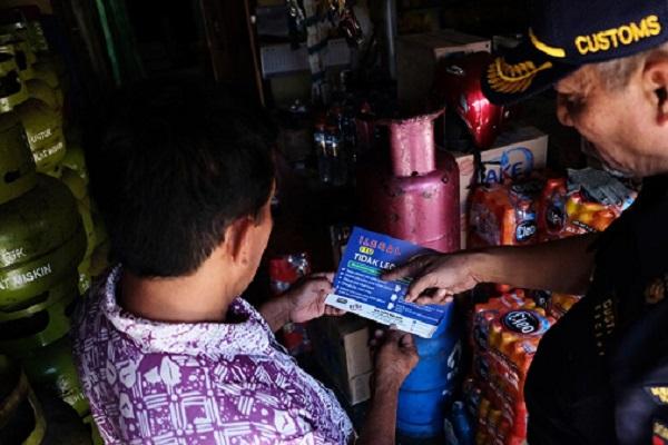 Bea Cukai Malang Keliling Kecamatan Kepanjen Berantas Rokok Ilegal