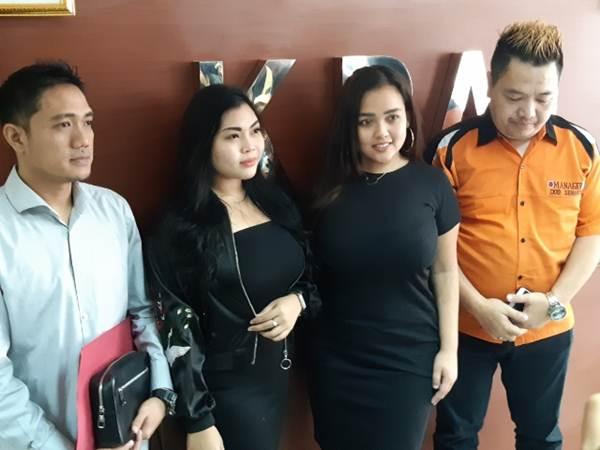 Duo Semangka usai konferensi pers di Kantor KPAI, Jakarta (22/8/2019). - Bisnis/Rayful Mudassir