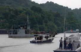 Polisi Terus Cari 23 Anak Buah Kapal Mina Sejati