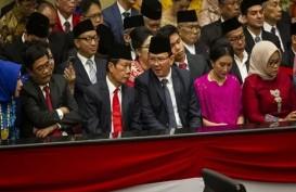 Anggota PSI Resmi Terima Pin Kuningan dari Sekwan DPRD DKI