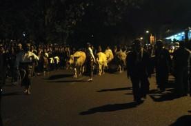 Malam 1 Suro: Begini Suasa Kirab Pusaka Keraton Surakarta
