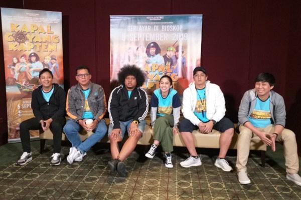 Para pemeran Film Kapal Goyang Kapten saat melakukan pers conference di Mall Paragon Semarang. - Bisnis/Alif Nazzala Rizqi