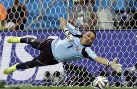 Tinggalkan Real Madrid ke PSG, Keylor Navas Telah Tiba di Paris