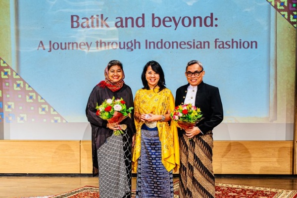 Batik and Beyond: A Journey through Indonesian Fashion - Antara