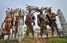 Kunjungan ke Kalbar, Jokowi Serahkan SK TORA dan Sertifikat Tanah