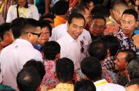 Jokowi Serahkan SK Hutan Adat ke Masyarakat Adat Kalbar