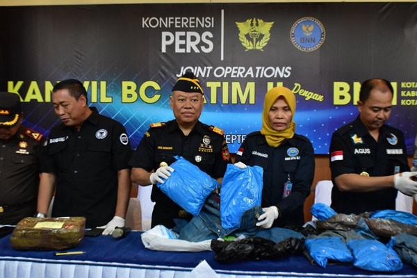 Joint Operations Bea Cukai dan BNN Bongkar Sindikat Ganja di Malang