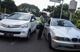 PERLUASAN GANJIL GENAP 9 SEPTEMBER : Dishub DKI Serahkan Dispensasi Taksi Online ke Polisi