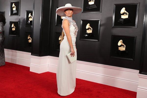 Jennifer Lopez menghadiri Grammy Awards, 10 Fabruari 2019 - Reuters