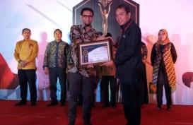 Dirut Pelindo IV Raih Penghargaan Jasa Kepelabuhanan Modern