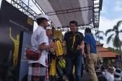 Sambil Maraton, Maybank Indonesia Bantu Fasilitas Belajar di Bali