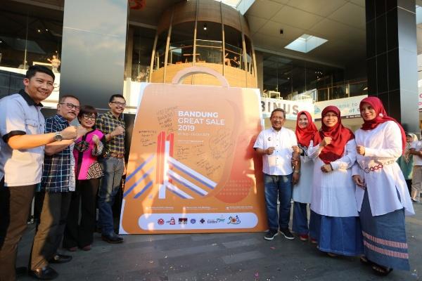 Penyelenggaraan Bandung Great Sale 2019 - Dea Andriyawan