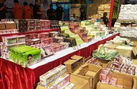 Polda Jabar Sita Ratusan Ribu Produk Kosmetik Kadaluarsa
