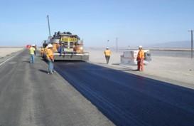 PEMBANGUNAN JALAN :  Penggunaan Aspal karet Capai 65 Km