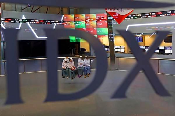 Pelajar mengunjungi gedung Bursa Efek Indonesia di Jakarta, Jumat (5/5). - JIBI/Nurul Hidayat