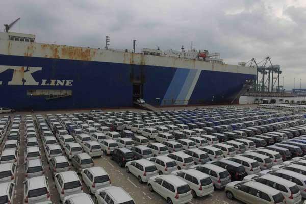 Mobil-mobil siap diekspor dari Indonesia. - TMMIN