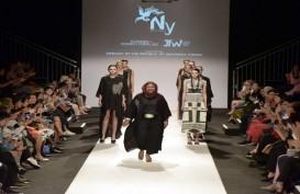 Perak dan Batik Indonesia Bergaya di Panggung Vienna Fashion Week 2019