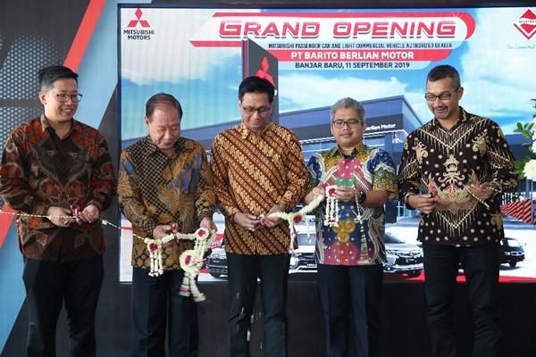 Peresmian dealer Mitsubishi di Banjarbaru, Kalimantan Selatan, Kamis (12/9/2019). - MMKSI
