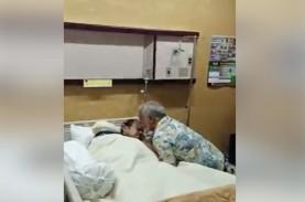 Video Detik-detik Xanana Gusmao Cium Kening B.J. Habibie