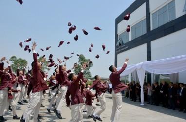 Cetak SDM Andal, Toyota Academy Rayakan Kelulusan 63 Wisudawan
