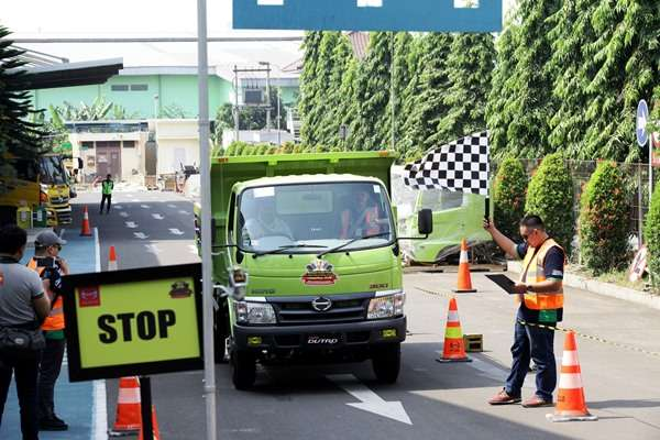 Hino Safety Driving Competition. - HMSI