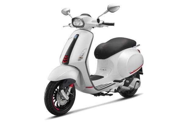 Vespa Sprint Carbon edisi terbatas 2019. - PT Piaggio Indonesia