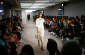London Fashion Week Sajikan Peragaan Khusus Bagi Awam