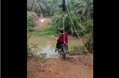 Heboh Video Pejuang NOA Lintasi Sungai Pakai Flying Fox
