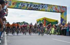 Diselimuti Kabut Asap, Balap Sepeda Tour de Siak Jalan Terus